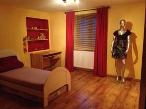 Home staging chambre enfant transformée en chambre d'ado dans CREATIONS 0-avant-300x225