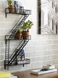 Une étagère façon escalier de secours New-Yorkais dans ARTICLES etagere-escalier-de-secours-americain-540x728-222x300